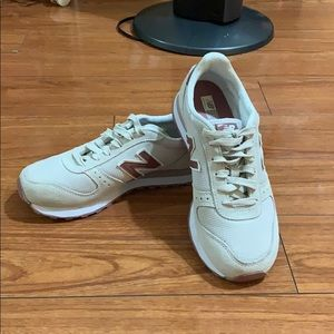 New Balance 311 Women Sneakers (New without Box)